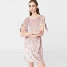Discover the latest trends in Mango fashion, footwear and accessories. White Linen Dresses, Mango, Straight Trousers, Linnet, Short Dresses, Formal Dresses, Fall Skirts, Pink Velvet, Fashion Brands