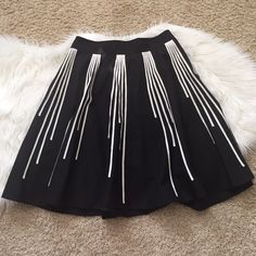 """{The Limited} skirt with side pockets High waist, A line black skirt with hidden side pockets. Like new condition. Total length: 22"""" The Limited Skirts A-Line or Full"""
