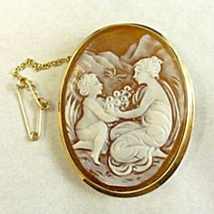 Cameo Brooch or Pin, 18ct Gold, Mother and Child.