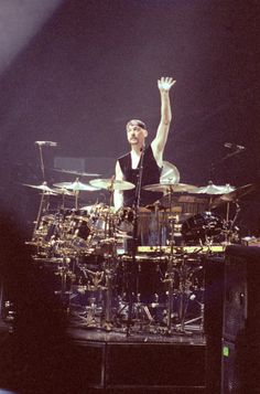 Neil Peart, Rush, acknowledging the crowd.