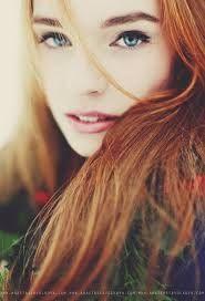 Resultado de imagem para red hair blue eyes tumblr
