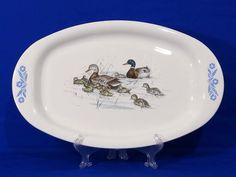 Corning ware Bluecornflower.com Corningware Vintage, Vintage Pyrex, Antique Glassware, Good Ole, Vintage Dishes, Bakeware, Milk Glass, Dinnerware, Kitchens