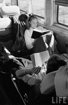 Reading on the train (Edward Clark. Wonder what she's reading … either the Bible or a Dictionairy.) (or maybe a Japanese book? People Reading, Woman Reading, Girl Reading Book, Vintage Photography, White Photography, Edward Clark, Bonheur Simple, Poses, Vintage Love