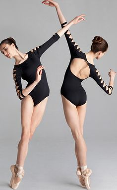 I'm crazy about the sleeves. I love long sleeve leos. They can get hot though. :/