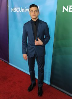 36 Pictures of Rami Malek That Will Show You Why Everyone Is Crushing on Him Navy Suit Blue Tie, Boys Navy Suit, Suit And Tie, Navy Suits, Burgundy Tie, Groom Suits, Women's Suits, Groom Attire, Groomsmen