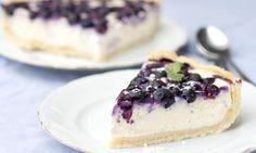 Dairy-Free Gluten-Free Blueberry Cheesecake - Z Living Blueberry Crunch, No Bake Blueberry Cheesecake, Gluten Free Blueberry, Best Cheesecake, Cheesecake Recipes, Blueberry Cake, Pudding Desserts, Dessert Recipes, Fitness Dessert