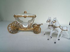 wilton wedding cake topper cinderella princess carriage princess carriage cake stand cinderella castle coach 27538