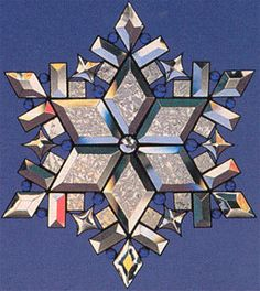 the-magic-of-snowflakes-ii, Fusing Projects, Glass Casting Molds, Seasonal Supplies Delphi Glass, Skills To Learn, Stained Glass Panels, Let It Snow, Beveled Glass, Pattern Books, Holiday Crafts, Snowflakes, Mosaic