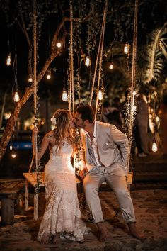 Boda Maresias {Maya y Frederick} - Hochzeitsfotos - Marie's Wedding, Wedding Swing, Wedding Goals, Wedding Night, Wedding Venues, Wedding Photos, Dream Wedding, Wedding Summer, Wedding Beach