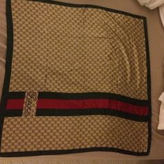 Gucci sulk large scarf Gucci scarf in silk and a large size in square with 34 inches each side. Great around the neck, over the shoulders, wrap your head and as an accessory on handbag!! Authentic Gucci Accessories Scarves & Wraps