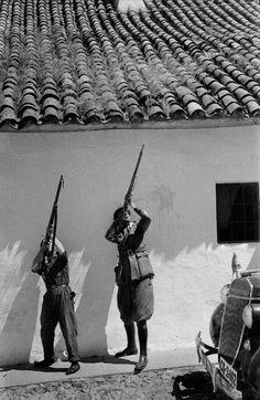 Spain - 1936. - GC - Disparando a un avión, El Carpio, 05.08.1936.