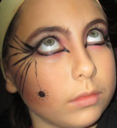 Maquillage halloween femme simple et original for Como pintarse de bruja guapa