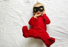 Everyone is dressing up in spooky costumes but these cute little angels are too busy looking adorable. check out these adorable kids in Halloween costumes. Cute Baby Halloween Costumes, Boy Costumes, Infant Halloween, Diy Halloween, Costume Ideas, Spooky Costumes, Baby Kostüm, Diy Baby, Halloween Disfraces