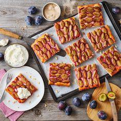 Zwetschgenkuchen vom Blech Rezept - Backmomente.de Tasty Bakery, Cupcakes, Waffles, Cheese, Breakfast, Food, Sheet Cakes, Amazing Cakes, Morning Coffee