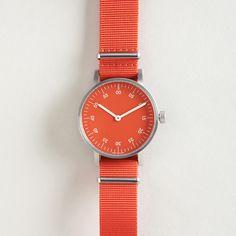 V03B Analog Wristwatch