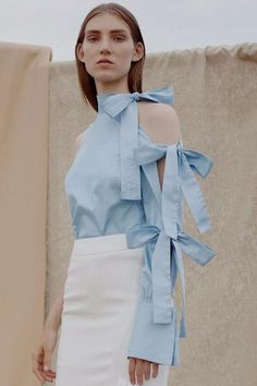 Blue long sleeve blouse with tie sleeve details. Classy Work Outfits, Cute Outfits, Summer Outfits, Girl Fashion, Fashion Outfits, Womens Fashion, Fashion Design, Off Shoulder Outfits, Fes