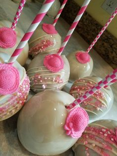 White and pink candy apples  #oneskinnybaker