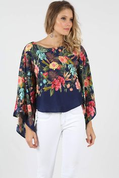 Bata Farm Azul Luar - BabadoTop Xl Fashion, Trendy Fashion, Womens Fashion, Western Tops, Summer Blouses, Basic Tops, Pants Outfit, All About Fashion, Sewing Clothes