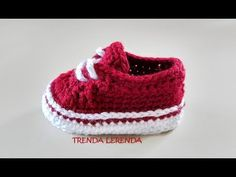 Vans Old Skool Authentic baby booties Crochet pattern by Trenda Lerenda Vans Old Skool Authentic booties – Modèle au crochet par Trenda Lerenda Crochet Baby Sandals, Crochet Baby Clothes, Crochet Shoes, Vans Old Skool, Baby Afghan Patterns, Baby Boy Knitting Patterns, Estilo Vans, Gestrickte Booties, Crochet Baby Blanket Beginner