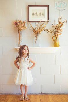 05-JunoPhoto_adorable_flower_girl