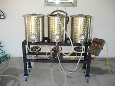Very elaborate (awesome!) home brewing setup Brewing Recipes, Homebrew Recipes, Beer Recipes, Home Brewery, Home Brewing Beer, Make Your Own Beer, How To Make Beer, Brewery Design, Home Brewing Equipment