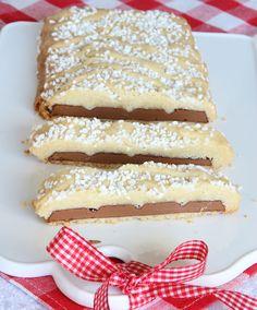 Inbakad chokladkaka med ett frasigt mördegsskal – ljuvligt gott!