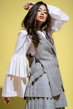 Gabbi Garcia Continues to Shine Bright Gabbi Garcia Instagram, Debut Photoshoot, Filipina Girls, Filipina Beauty, Portrait Poses, Tumblr Girls, Celebs, Celebrities, Ylona Garcia