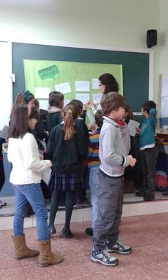 "Lola García Berrocal @lolagb30 3°A. Rutina "" Antes pensaba... y Cooperativo para los determinantes posesivos #salamancaenruta #compostelaenruta"
