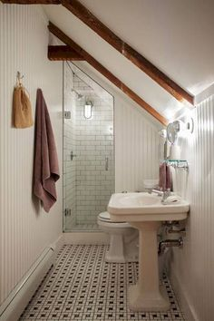 Nice 45 Cool Attic Bathroom Remodel Ideas https://decorapatio.com/2017/08/31/45-cool-attic-bathroom-remodel-ideas/
