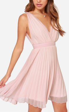 This would be a gorgeous bridesmaid dress if it were long. Short too for like a spring or summer wedding!