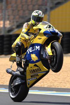 Valentino Rossi Whellie Wallpaper Wheelie