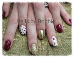 Christmas nail art. #head2toesalon #nailsbybobbie