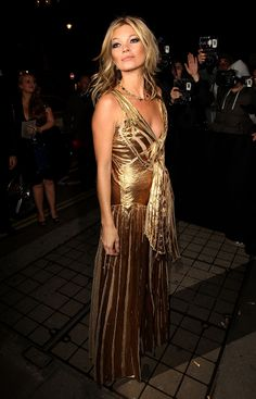 Kate Moss shines in gold