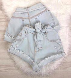 A imagem pode conter: shorts