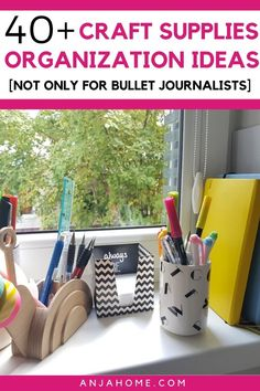 Discover over 40 craft storage ideas to declutter and organize your small craft space Here you can find awesome organizations inspiration for stationery, art supplies, and much more. Craft Storage Ideas For Small Spaces, Small Craft Rooms, Craft Room Storage, Organization Bullet Journal, Clutter Organization, Home Organization Hacks, Organizing Life, Organizing Ideas, Space Crafts