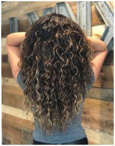 Brown Hair Short Bob, Brown Hair Men, Brown Curly Hair, Colored Curly Hair, Black Hair, Brown Curls, Ash Brown Hair With Highlights, Brown Hair With Blonde Balayage, Hair Highlights