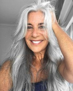 Why Older Women Cut Their Hair and Why You Don't Have To Why Older Women Wear Short Hairstyles and Why You Don't Need To – Farbige Haare Grey Hair Old, Long Gray Hair, Silver Grey Hair, Grey Wig, Grey Hair Touch Up, Hairstyles Over 50, Older Women Hairstyles, Latest Hairstyles, Pretty Hairstyles