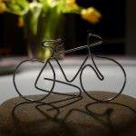 Fahrrad aus Draht gebogen