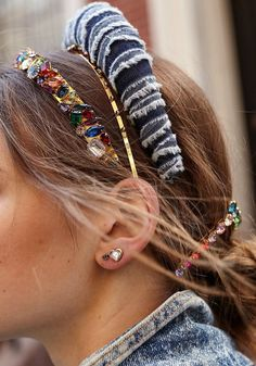 Improve The Look Of Your Hair With These Excellent Tips Glamorous Hair, Barrettes, Luxury Hair, Bad Hair Day, Bridal Hair Accessories, Fall Hair, Hair Jewelry, Fashion Pictures, Hair Trends