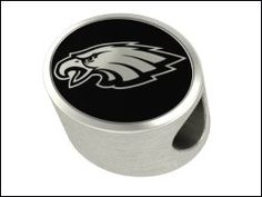 Football fans in Philadelphia back the Eagles and with Philadelphia Eagles Pandora Charms and beads they can wear that Eagles pride everywhere they go. Pandora Style Charms, Pandora Bracelet Charms, Pandora Jewelry, Football Fans, Broncos Fans, Denver Broncos, Philadelphia Eagles, Pink Sapphire, Nfl