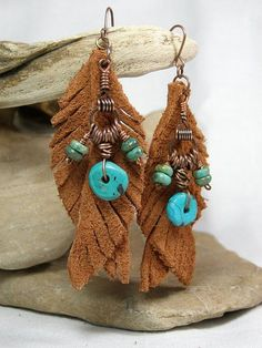 Items similar to Turquoise Earrings - Feather Earrings - Leather Earrings - Native Earrings - Tribal Jewelry - Suede on Etsy Diy Leather Earrings, Leather Jewelry, Beaded Earrings, Earrings Handmade, Handmade Jewelry, Tribal Jewelry, Wire Jewelry, Jewelry Crafts, Beaded Jewelry