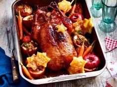 Unser beliebtes Rezept für Ente & Bratäpfel zu Süßkartoffelgnocchi und Rosenkohl und mehr als 55.000 weitere kostenlose Rezepte auf LECKER.de.