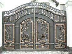 Iron Main Gate Design, Home Gate Design, House Main Gates Design, Steel Gate Design, Front Gate Design, House Front Design, Metal Driveway Gates, Metal Gates, Grill Door Design