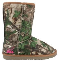Realtree Girl Xtra Camo Boots Im going to get winter boots I want ones like these! Camo Boots, Cowgirl Boots, Ugg Boots, Shoe Boots, Corral Boots, Ankle Boots, Cute Shoes, Me Too Shoes, Hunting Camo