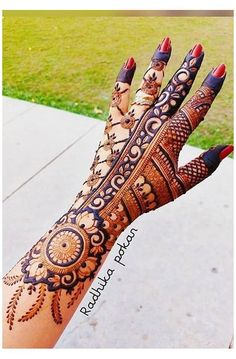 Khafif Mehndi Design, Floral Henna Designs, Back Hand Mehndi Designs, Full Hand Mehndi Designs, Henna Art Designs, Mehndi Designs For Beginners, Mehndi Designs For Girls, Mehndi Design Photos, Wedding Mehndi Designs