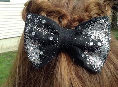 Glitter Party Hairstyles, Glitter, Hair Styles, Accessories, Fashion, Hair Plait Styles, Moda, Fashion Styles, Hair Makeup