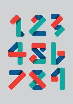 色紙を折ったような。。立体的なかっこいい数字デザイン。