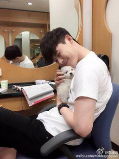 jong suk such a pet lover Lee Jong Suk Cute, Lee Jung Suk, Asian Actors, Korean Actors, Kpop, Jun Matsumoto, Park Bogum, Kang Chul, Park Hyung