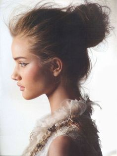 gorgeous texture on this top knot, don't be frightened of frizz