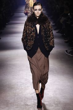 Dries Van Noten Fall 2016 Ready-to-Wear Fashion Show Collection